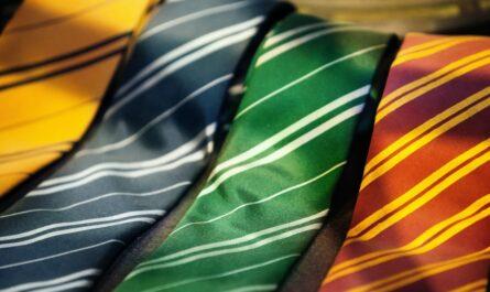 Kravata jedna vedle druhé.