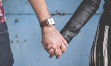 Online seznamky vedou k novým a láskyplným vztahům.