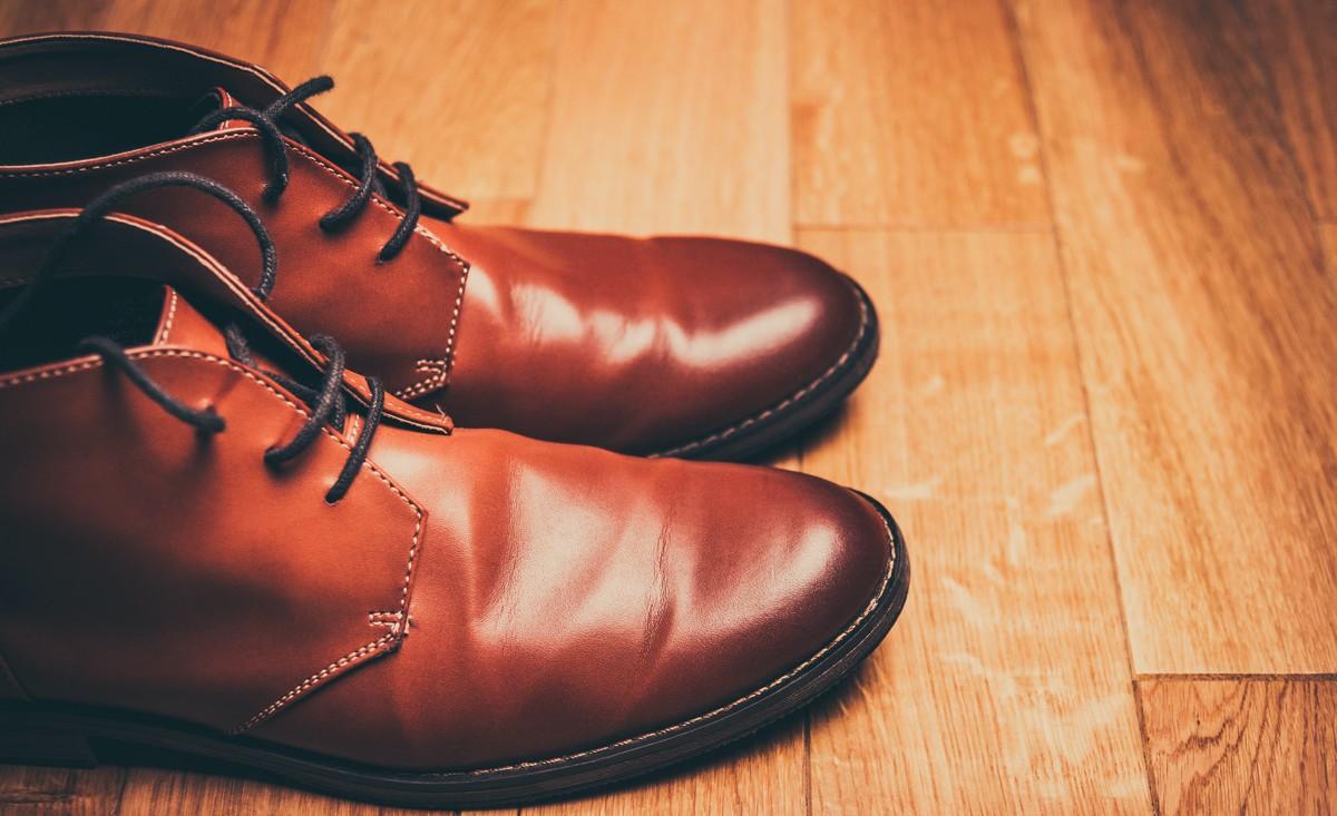 Pánské boty vyrobené z kvalitní kůže.